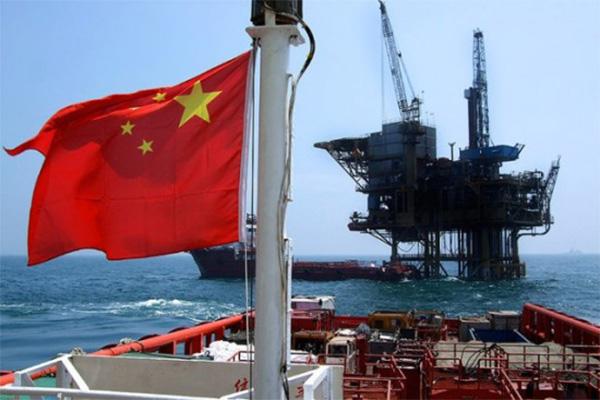 中拟用人民币买原油,美元国际地位开始动摇?