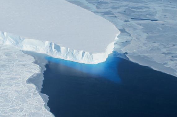 """拯救极地冰川""""荒谬终极方案""""建高墙阻挡暖海水"""