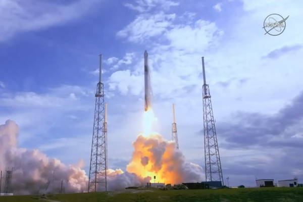 SpaceX计划使用二手猎鹰9号为空间站运输补给物