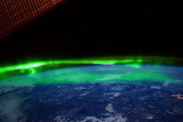 国际空间站公布太空拍摄北极光炫丽景象