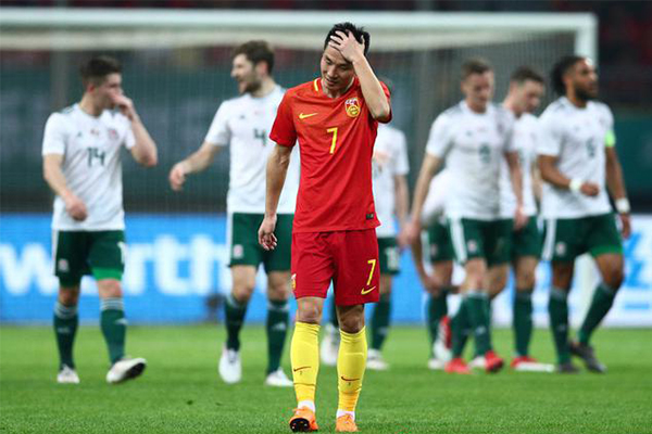 粤媒批武磊表现,国足与对手相比全都