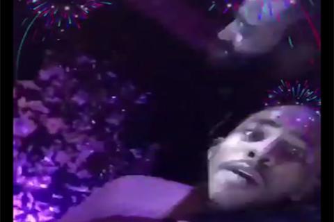 灯泡携火箭队友庆新年,哈登保罗激情相拥度过狂欢夜