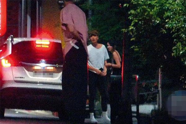 柯震东带女星杜妍回家被拍无奈离开,柯震东十八岁女友是谁?